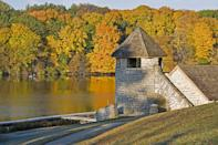 """<p><strong>Where to go:</strong> The Maquoketa River is popular with paddlers and fishermen alike. Walnut, ash, oak, elm, and maple trees throughout the state turn bright yellow, rusty red, bronzy orange, and reddish-purple. </p><p><strong>When to go: </strong><a href=""""https://www.iowadnr.gov/Conservation/Forestry/Fall-Color"""" rel=""""nofollow noopener"""" target=""""_blank"""" data-ylk=""""slk:Mid-October"""" class=""""link rapid-noclick-resp"""">Mid-October</a><br></p><p><a class=""""link rapid-noclick-resp"""" href=""""https://go.redirectingat.com?id=74968X1596630&url=https%3A%2F%2Fwww.tripadvisor.com%2FHotels-g28936-Iowa-Hotels.html&sref=https%3A%2F%2Fwww.redbookmag.com%2Flife%2Fg34045856%2Ffall-colors%2F"""" rel=""""nofollow noopener"""" target=""""_blank"""" data-ylk=""""slk:FIND A HOTEL"""">FIND A HOTEL</a></p>"""