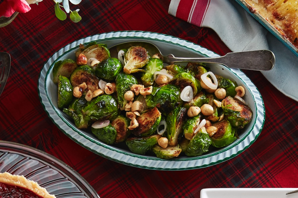 """<p>When it's time to sit down and map out the menu for your <a href=""""https://www.countryliving.com/food-drinks/g635/holiday-recipe-book-1108/"""" target=""""_blank"""">Christmas dinner</a>, there are a few questions to ask yourself. Do you only want traditional Christmas side dishes to complement your Christmas ham? Are you learning toward simple recipes that will feed a crowd, or would you rather make your dinner feel more like a <a href=""""https://www.countryliving.com/diy-crafts/how-to/g2218/christmas-party-ideas/"""">Christmas party</a> with amazing <a href=""""https://www.countryliving.com/food-drinks/g643/delectable-holiday-appetizers-1208/"""">holiday appetizers</a> to go with your <a href=""""https://www.countryliving.com/food-drinks/g2768/christmas-cocktails/"""">Christmas cocktails</a>? Do you want <a href=""""https://www.countryliving.com/food-drinks/g4738/healthy-christmas-recipes/"""" target=""""_blank"""">healthy Christmas recipes</a> with more vegetables? The list can go on and on. Fortunately, we know the pains of planning the perfect <a href=""""https://www.countryliving.com/food-drinks/g1391/christmas-dinner-menu/"""">Christmas menu</a>, which is why we rounded up dozens of easy Christmas side dishes to feed your family on December 25. Here, you can choose anything from healthy side dishes to ones that have taken Pinterest by storm. That means you can spend less time planning and more time on holiday decorating and making the best crafty Christmas presents.<br> </p>"""