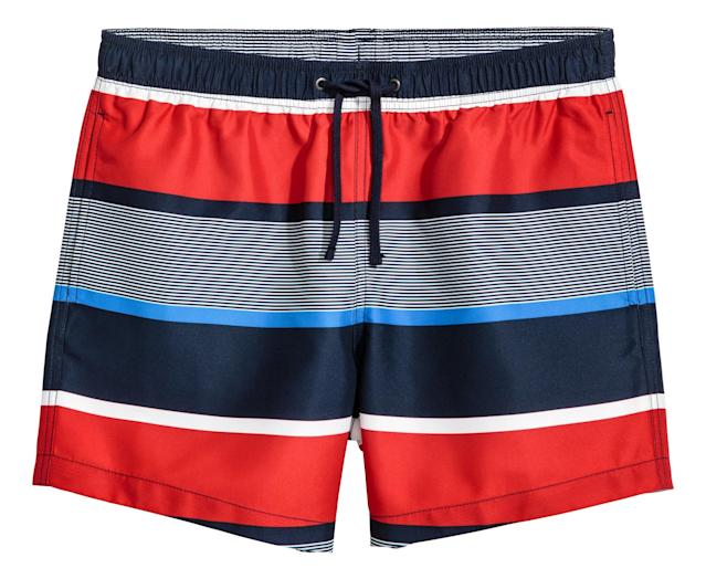 """<p>Knee-length swim shorts from H&M, $18. Available on <a href=""""http://www.hm.com/us/product/68062?article=68062-B"""" rel=""""nofollow noopener"""" target=""""_blank"""" data-ylk=""""slk:hm.com"""" class=""""link rapid-noclick-resp"""">hm.com</a> </p>"""
