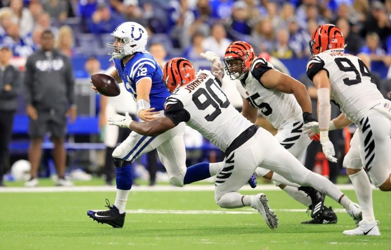 The return of Indianapolis Colts quarterback Andrew Luck was spoilt by the Cincinnati Bengals who finished with a 34-23 win