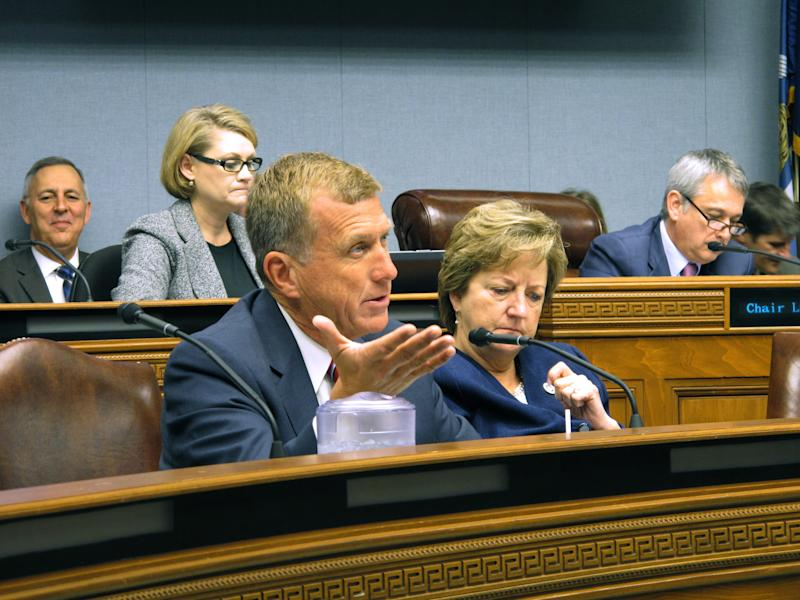 Edwards' budget would leave TOPS short, trim most agencies