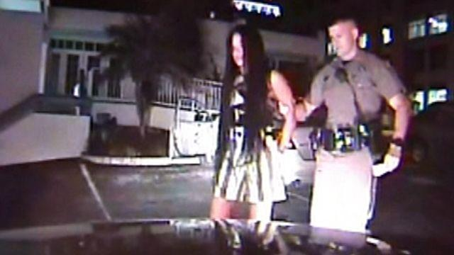 Florida women tries to bribe her way out of DUI