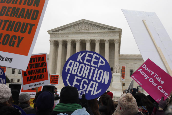 "<span class=""s1"">Backers of abortion rights rally at the Supreme Court in January 2016. (Photo: Alex Brandon/AP)</span>"