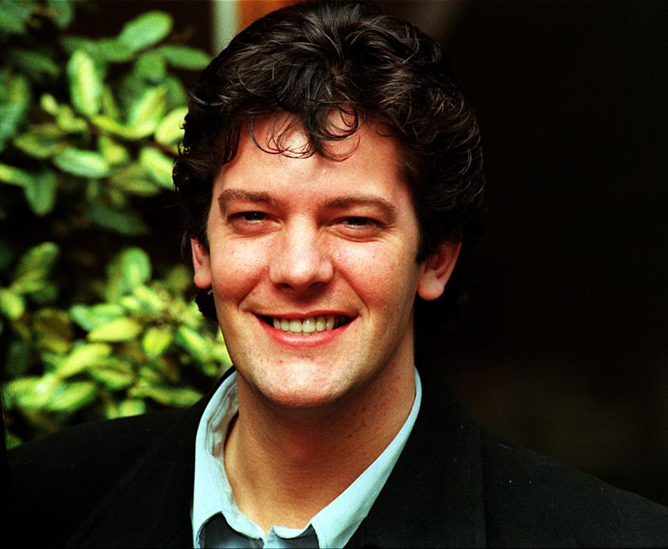 "PA NEWS PHOTO 7/4/98 ACTOR SAM KANE FROM THE CHANNEL 4 TV SOAP ""BROOKSIDE"" AT A PHOTOCALL TO PROMOTE THE FIVE-NIGHT EASTER SPECIAL"