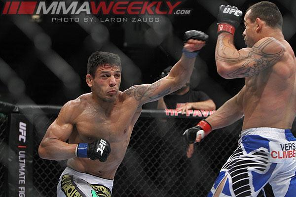 UFC Fight Night 49 Tulsa Results: Rafael dos Anjos Upsets Benson Henderson with First-Round KO
