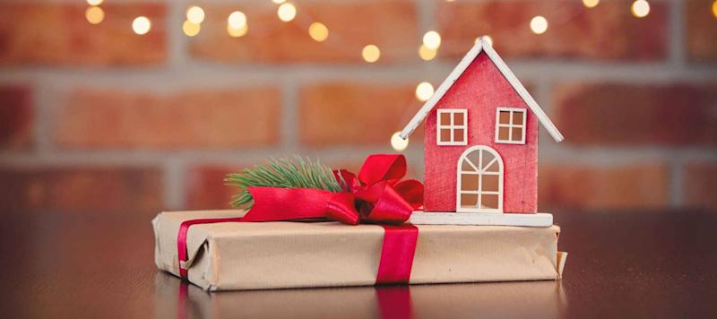 Gift to Borrowers: Lowest December Mortgage Rates in 7 Years
