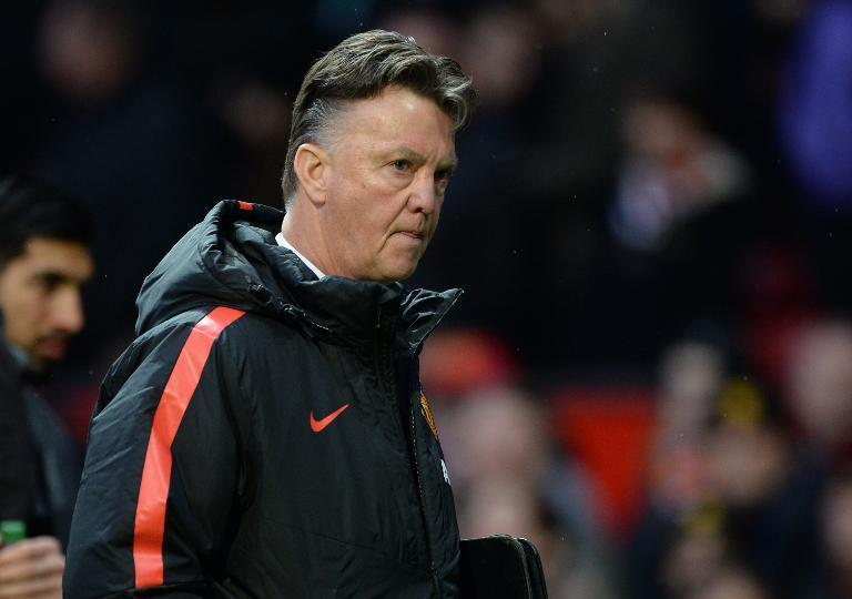 Manchester United's Dutch manager Louis van Gaal walks from the dug-out at half time in the English Premier League football match between Manchester United and Liverpool at Old Trafford on December 14, 2014 (AFP Photo/Oli Scarff)