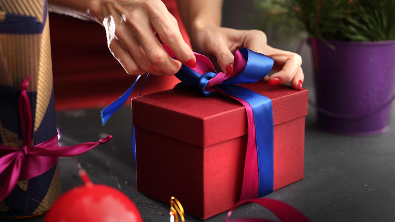 How to Wrap Gifts Perfectly, According to a Gift-Wrapping Expert