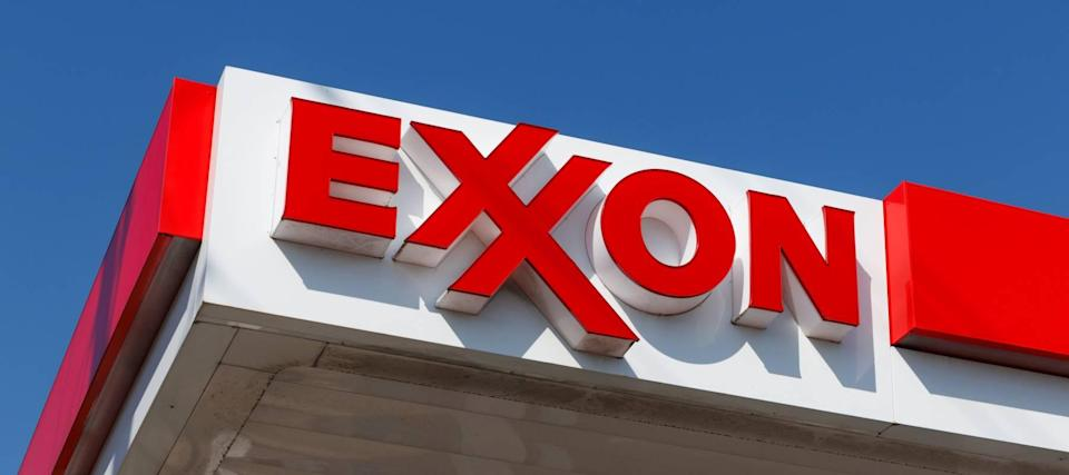 Oil nears 3-year high: Grab Exxon, 2 more energy stocks with big dividend yields