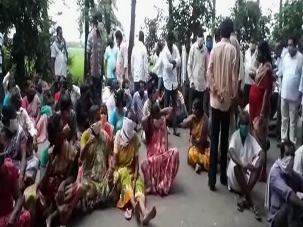 Family members of deceased protest outside the hospital in Andhra Pradesh on Friday. Photo/ANI