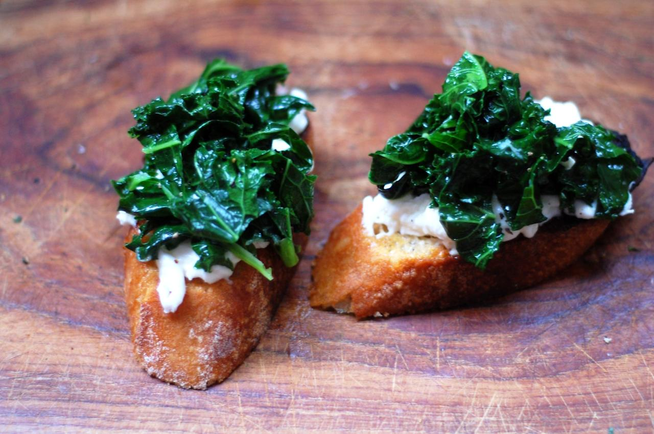 """<p>Make a healthy, stand-out <a href=""""https://www.popsugar.com/food/Kale-Burrata-Bruschetta-21488635"""" class=""""ga-track"""" data-ga-category=""""Related"""" data-ga-label=""""http://www.yumsugar.com/Kale-Burrata-Bruschetta-21488635"""" data-ga-action=""""In-Line Links"""">Winter bruschetta</a> by employing the complementary textures of creamy, salty burrata and freshly sautéed curly kale. </p>"""