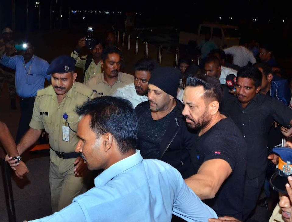 Everyone knows about Salman Khan's most trusted bodyguard, Shera. He is Bhai's right-hand man and is spotted besides him every single time, without fail. He first met Salman in 1995 at a party held for Hollywood star, Keanu Reeves. But it was Salman's brother Sohail who hired Shera to be Bhai's protector.
