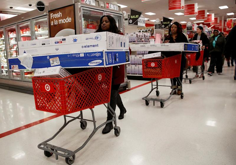 Shoppers take advantage of Black Friday sales at a Target store in the Brooklyn borough of New York City, U.S. November 25, 2016. REUTERS/Brendan McDermid