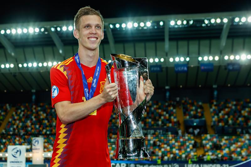 UDINE, ITALY - JUNE 30: Dani Olmo of Spain with trophy after winning the 2019 UEFA U-21 Final between Spain and Germany at Stadio Friuli on June 30, 2019 in Udine, Italy. (Photo by TF-Images/Getty Images)
