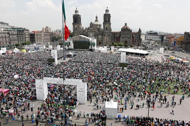 Soccer Football - FIFA World Cup - Group F - South Korea v Mexico - Mexico City, Mexico - June 23, 2018 - Mexican fans attend a public screening at the Zocalo square. REUTERS/Gustavo Graf