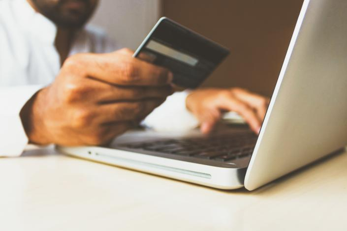 One in 10 Brits say they will only shop online until a vaccine for COVID-19 is found. (rupixen.com/Unsplash)