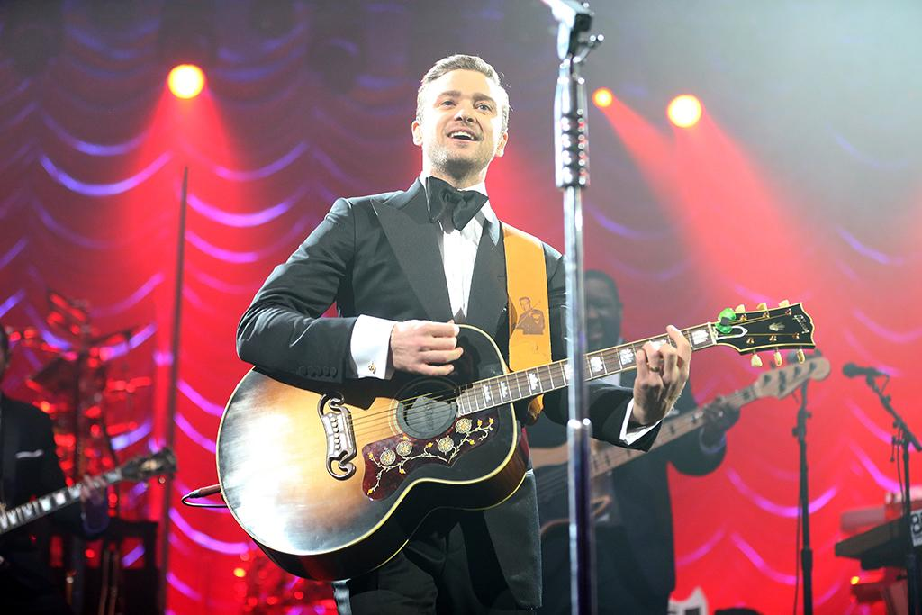 Justin Timberlake performs at DIRECTV Super Saturday Night Featuring Special Guest Justin Timberlake & Co-Hosted By Mark Cuban's AXS TV on February 2, 2013 in New Orleans, Louisiana.  (Photo by Christopher Polk/Getty Images for DirecTV)