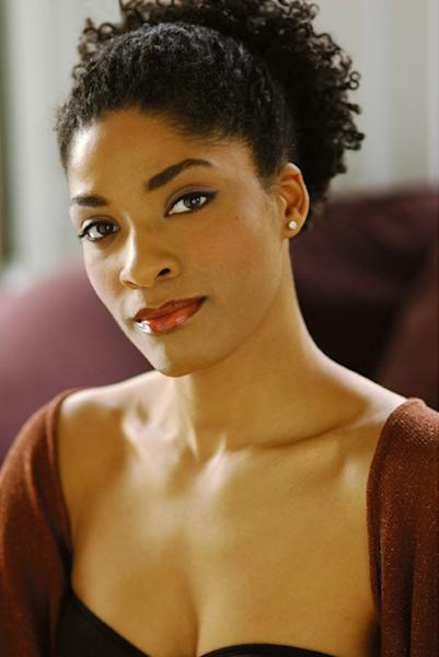 """This undated photo released by Jeffrey Richards Associates shows Alicia Hall Moran who will lead the national tour of the musical """"Porgy and Bess,"""" that kicks off a 14-state tour this weekend in San Francisco. (AP Photo/Jeffrey Richards Associates)"""
