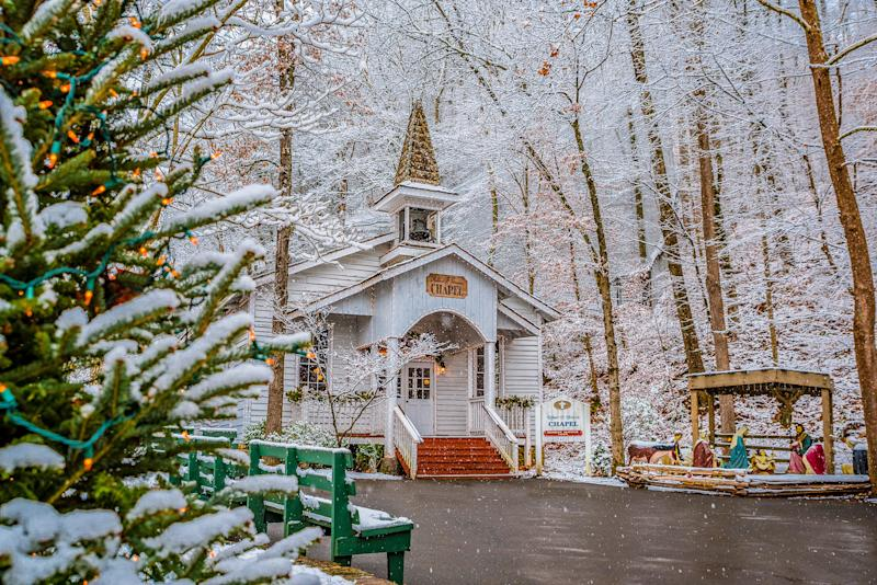 Dollywood's Smoky Mountain Christmas Is the Must-See Holiday Theme Park Event