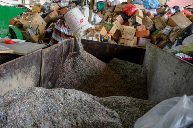 Rebricks now receives plastic waste packaging from donors across the country
