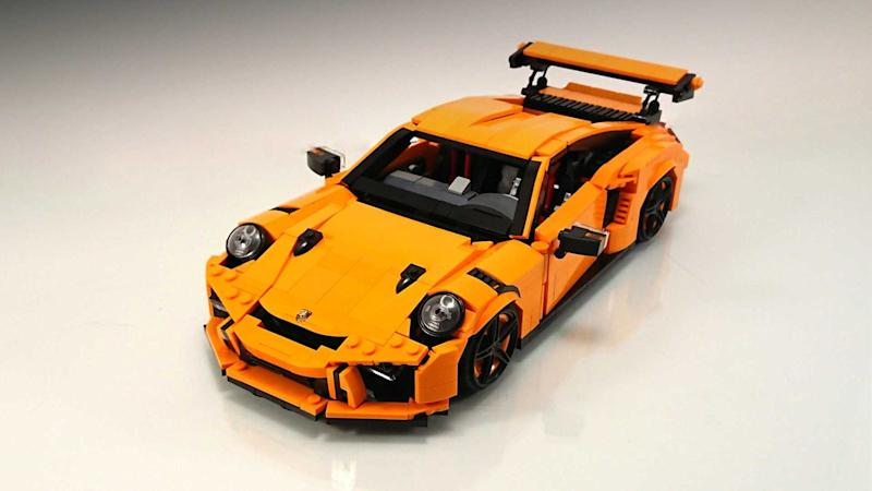 lego porsche 911 gt3 rs custom build is brilliant in every way. Black Bedroom Furniture Sets. Home Design Ideas