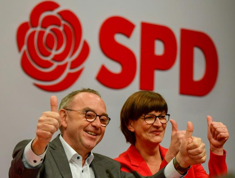 SPD party co-leaders Norbert Walter-Borjans and Saskia Esken were elected during the party congress (AFP Photo/Tobias SCHWARZ)