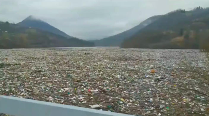 Shocking footage shows Serbian lake completely covered in garbage