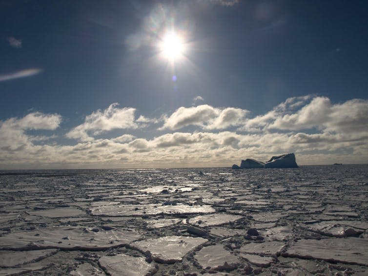 """<span class=""""caption"""">The cold ocean of an Ice Age drew carbon dioxide out of the atmosphere.</span> <span class=""""attribution""""><span class=""""source"""">Pearse J. Buchanan</span></span>"""