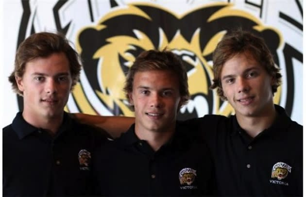 The Fitzgerald triplets, once film stars, will skate for Bemidji State starting in 2014 — Victoria Grizzlies