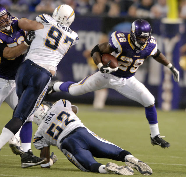 "<a class=""link rapid-noclick-resp"" href=""/nfl/players/8261/"" data-ylk=""slk:Adrian Peterson"">Adrian Peterson</a> rushed for an NFL single-game record 296 yards in his rookie season.(AP)"