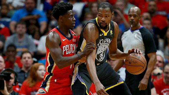 Kevin Durant led all scorers with 38 points as the Golden State Warriors topped the New Orleans Pelicans 118-92 on Sunday.