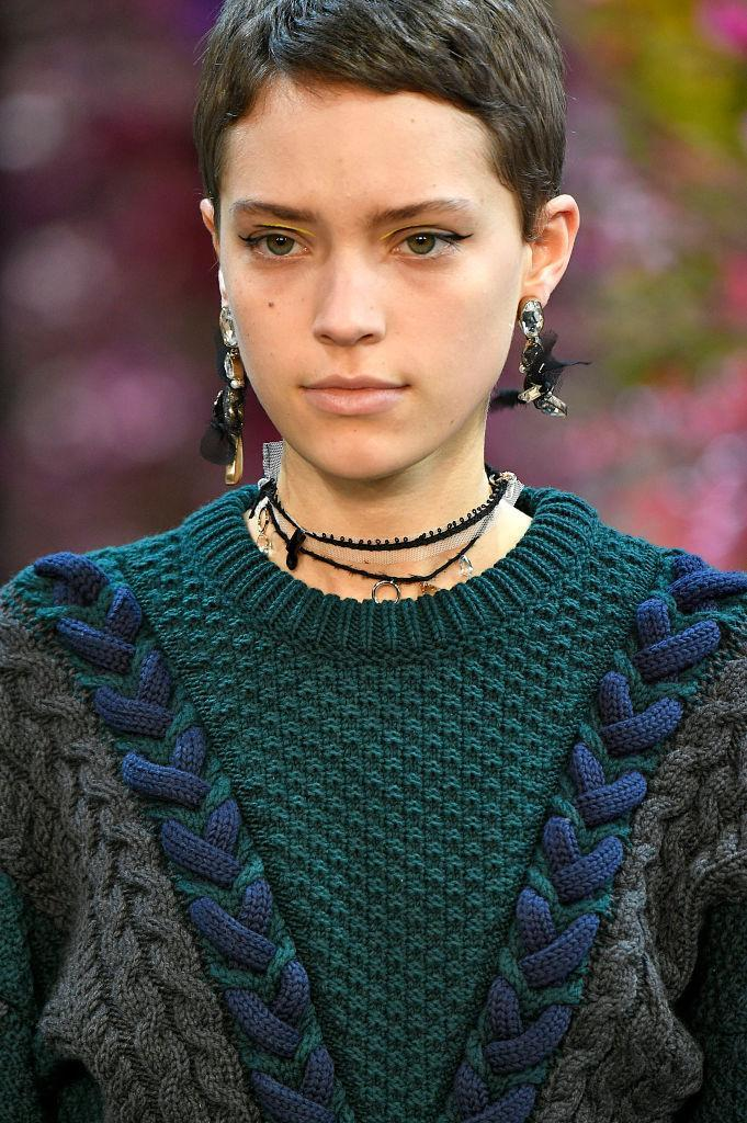 <p>Mutil charm choker necklace and mixed-material earrings at the Jasson Wu FW18 show. (Photo: Getty Images) </p>