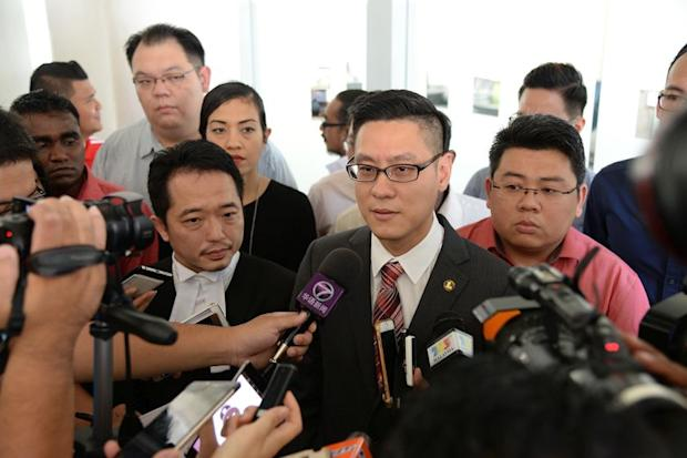 Zairil (centre) had named EC as respondent and filed a judicial review seeking a declaration that the proposed recommendations by EC for Penang's parliamentary and state constituencies are null and void. — Picture by KE Ooi