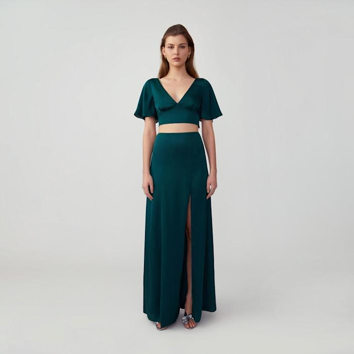 """<h3>Fame & Partners</h3><br><strong>Price Range: </strong>$189 - $479<strong><br>Size Range: </strong>0 - 26<br><br>This bespoke gown-maker can hit the pricier end of the spectrum, but we have to give them bang-for-buck props — where else can you get a made-to-order gown for under $400 that you can still return with minimal fees? There are plenty of under-$200 options on the site, too; like this elegant two-piece number that you could split up and wear again post-nuptials.<br><br><em>Shop </em><a href=""""https://www.fameandpartners.com/"""" rel=""""nofollow noopener"""" target=""""_blank"""" data-ylk=""""slk:Fame & Partners"""" class=""""link rapid-noclick-resp""""><strong><em>Fame & Partners</em></strong></a><br><br><strong>Fame and Partners</strong> Flutter Sleeve Set, $, available at <a href=""""https://go.skimresources.com/?id=30283X879131&url=https%3A%2F%2Fwww.fameandpartners.com%2Fdresses%2Fcustom-dress-FPG1272%7E1024%7E107%7EFM"""" rel=""""nofollow noopener"""" target=""""_blank"""" data-ylk=""""slk:Fame and Partners"""" class=""""link rapid-noclick-resp"""">Fame and Partners</a>"""
