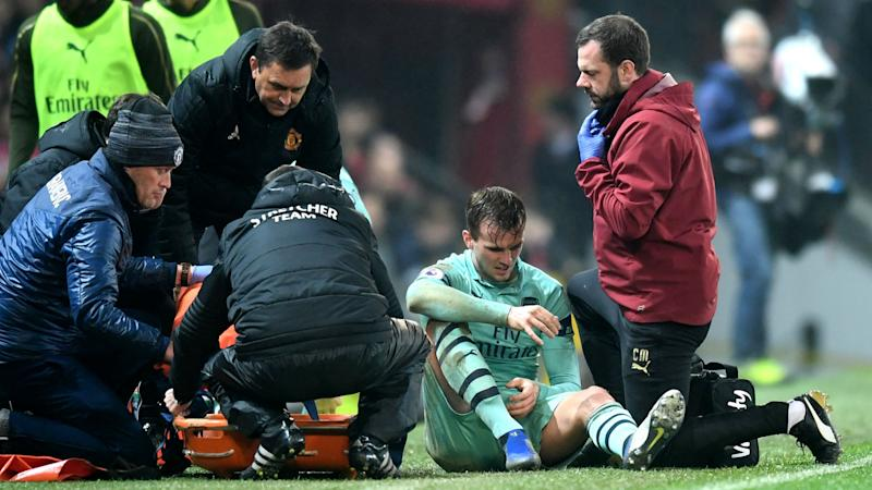Holding suffers ruptured anterior cruciate ligament