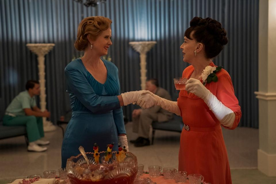 RATCHED (L to R) CYNTHIA NIXON as GWENDOLYN BRIGGS and JUDY DAVIS as NURSE BETSY BUCKET in episode 105 of RATCHED Cr. SAEED ADYANI/NETFLIX © 2020