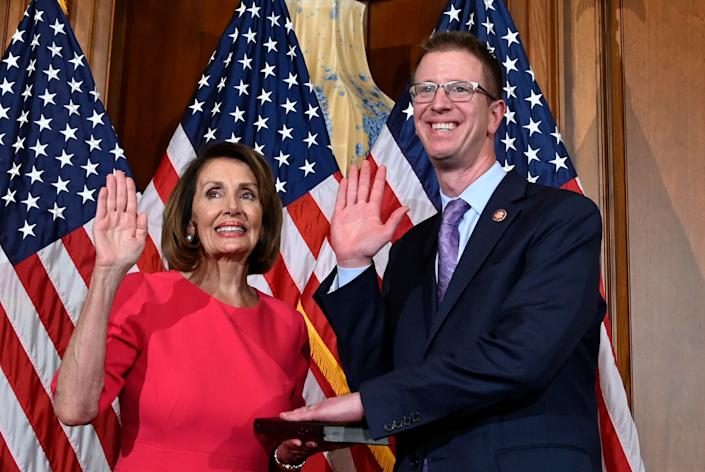 Rep. Derek Kilmer (D-Wash.), at a ceremonial swearing-in on Jan. 3 with House Speaker Nancy Pelosi, will chair the new Select Committee to Modernize Congress. (Photo: Susan Walsh/ASSOCIATED PRESS)