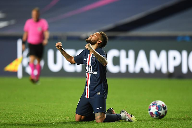 LISBON, PORTUGAL - AUGUST 18: Neymar of Paris Saint-Germain celebrates victory after the UEFA Champions League Semi Final match between RB Leipzig and Paris Saint-Germain F.C at Estadio do Sport Lisboa e Benfica on August 18, 2020 in Lisbon, Portugal. (Photo by Michael Regan - UEFA/UEFA via Getty Images)