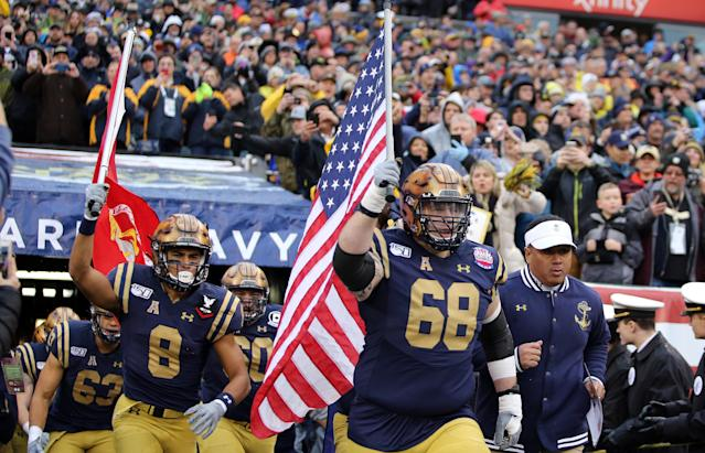 Navy guard David Forney (68) was found unresponsive in his dorm room on Thursday night. He was 22. (Daniel Kucin Jr./Icon Sportswire/Getty Images)