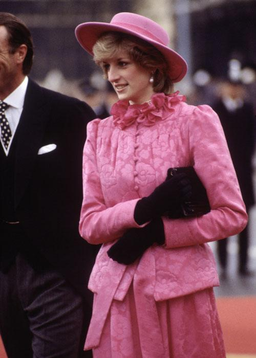 Diana Princess of Wales at the arrival of Queen Beatrix of Holland on November 16, 1982 at Westminster Pier in London for a State Visit. Her hat is a John Boyd design.(Photo by David Levenson/Getty Images)