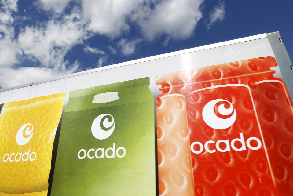 An Ocado truck returns to the Ocado depot in Hatfield, southern England July 21, 2010. British online grocer Ocado priced its initial public offering (IPO) at the bottom of a reduced range and its shares dropped in early conditional trading as sceptics continued to question its valuation.   REUTERS/Suzanne Plunkett (BRITAIN - Tags: BUSINESS FOOD)