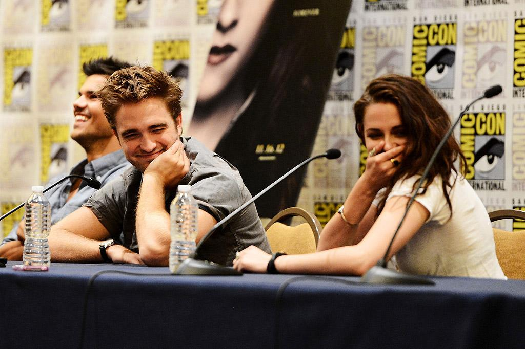 "SAN DIEGO, CA - JULY 12:  Actors Robert Pattinson and Kristen Stewart speak onstage at ""The Twilight Saga: Breaking Dawn Part 2"" during Comic-Con International 2012 at San Diego Convention Center on July 12, 2012 in San Diego, California.  (Photo by Michael Buckner/Getty Images for Lionsgate)"