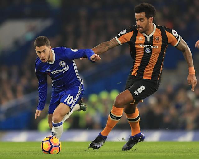 <p>Eden Hazard breezes past Tom Huddlestone </p>