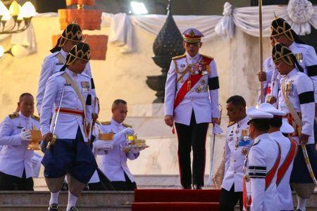 Thai king endorses new constitution, 20th since 1932