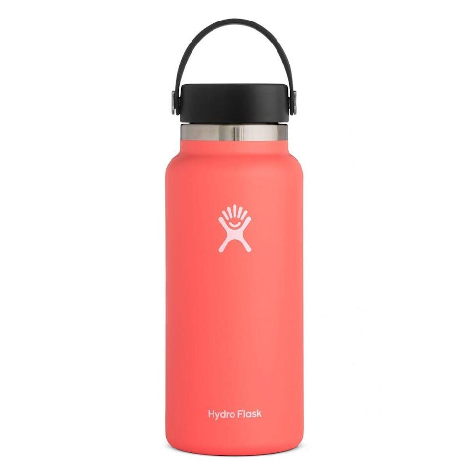 """<p><strong>Hydro Flask</strong></p><p>hydroflask.com</p><p><strong>$44.95</strong></p><p><a href=""""https://go.redirectingat.com?id=74968X1596630&url=https%3A%2F%2Fwww.hydroflask.com%2F32-oz-wide-mouth%2Fcolor%2Cwatermelon%2Ca%2C92%2Co%2C294&sref=https%3A%2F%2Fwww.seventeen.com%2Ffashion%2Ftrends%2Fg29036093%2Fvsco-girl-brands-starter-pack%2F"""" rel=""""nofollow noopener"""" target=""""_blank"""" data-ylk=""""slk:Shop Now"""" class=""""link rapid-noclick-resp"""">Shop Now</a></p><p>This little baby will keep your iced coffee chilled for up to 24 hours. Plus, VSCO girls love the strap for tying homemade friendship bracelets. </p>"""