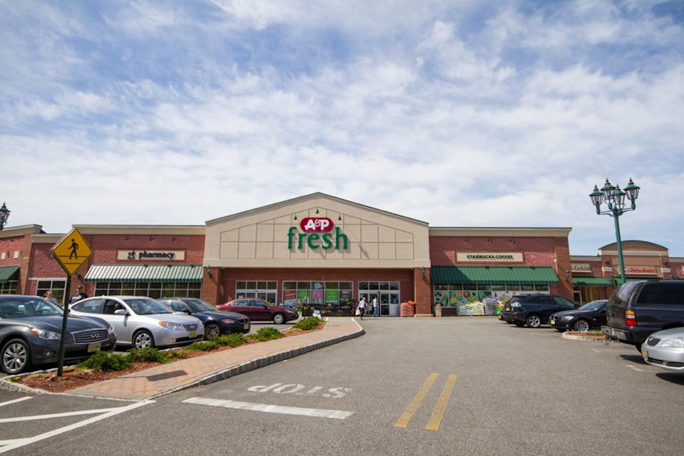 A&P store front and parking lot, Allendale, New Jersey