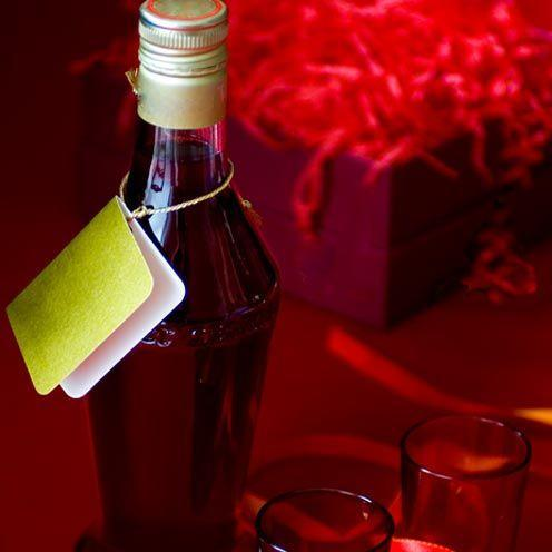<p>A thoughtful gift for gin lovers.</p><p><strong>Recipe: <span>Berry spiced gin</span></strong><br></p><p><br><br></p>