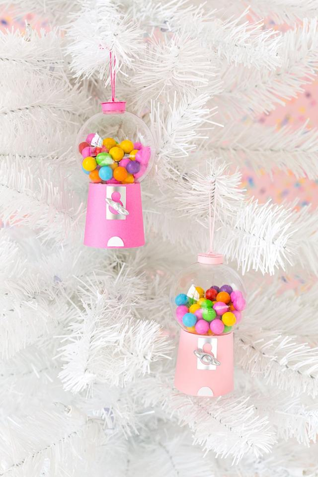 "<p>Turn a clear, plain ornament into a brilliantly vivid mini gumball machine, complete with tiny candies (or pom poms if you prefer). People will be amazed that you made these cute replicas!</p><p><strong>Get the tutorial at <a href=""http://www.awwsam.com/2017/11/diy-gumball-machine-ornaments.html"" target=""_blank"">Aww Sam</a>.</strong></p><p><strong><a class=""body-btn-link"" href=""https://www.amazon.com/3-Pack-Darice-140mm-Plastic-Ornament/dp/B01F6SXVEC/ref=sr_1_1_sspa?tag=syn-yahoo-20&ascsubtag=%5Bartid%7C10050.g.1070%5Bsrc%7Cyahoo-us"" target=""_blank"">SHOP CLEAR BALL ORNAMENTS</a><br></strong></p>"