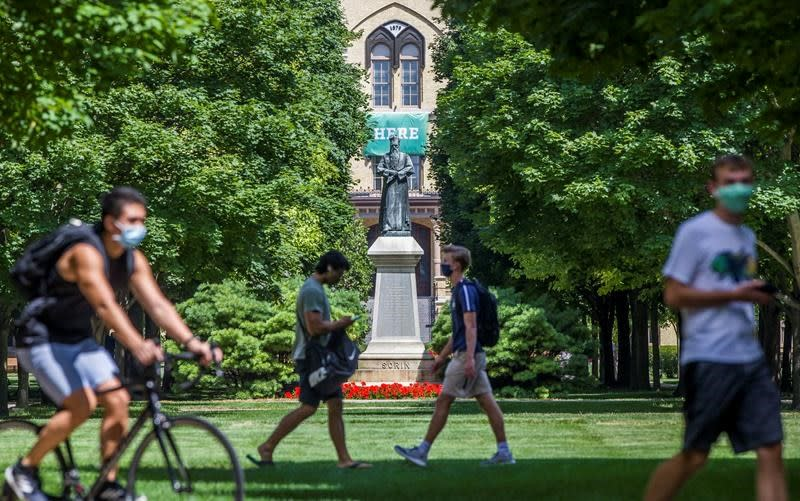Notre Dame cancels classes for 2 weeks after COVID-19 spike