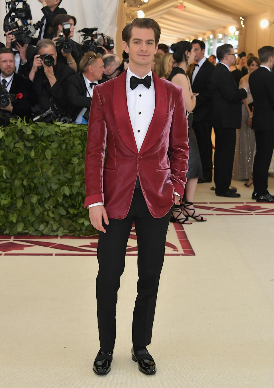 """<h1 class=""""title"""">Andrew Garfield in Tom Ford</h1><cite class=""""credit"""">Photo: Getty Images</cite>"""